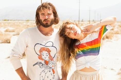 Angus-and-Julia-Stone-Rainbow-shirt-sweater_2-470x312