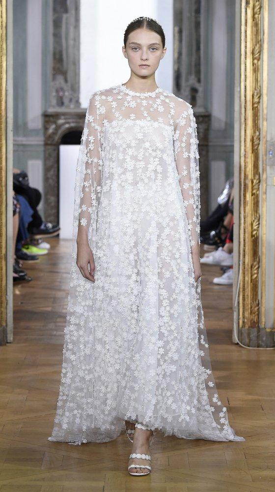 daisy-cape-bridal-couture-2017-kaviar-gauche-berlin-muenchen-duesseldorf-brautkleid_0